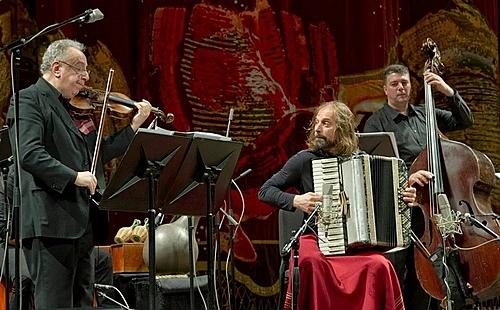 Chango Spasiuk en el Teatro Colón de Buenos Aires - Fotografía Máximo Parpagnoli